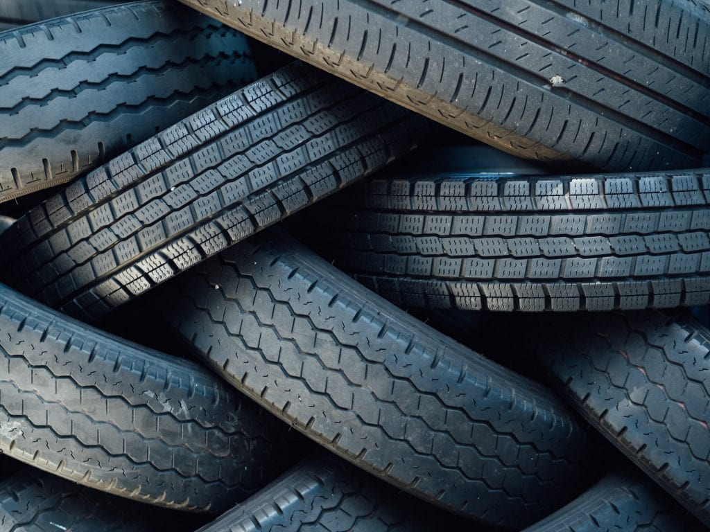 Car tyres with low tread